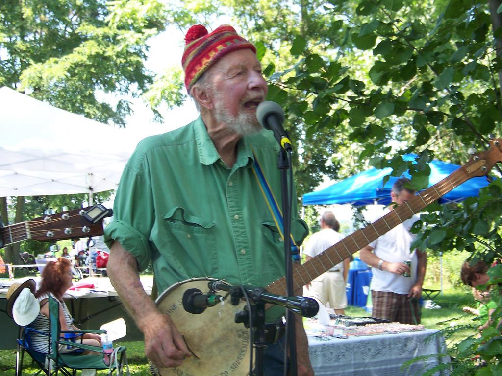 . Pete Seeger at the Beacon Riverside Park Fall Festival in 2012. William Marchetti photo.